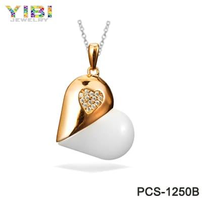 fine ceramic pendant